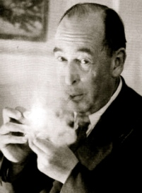 CSLewis_Pipe